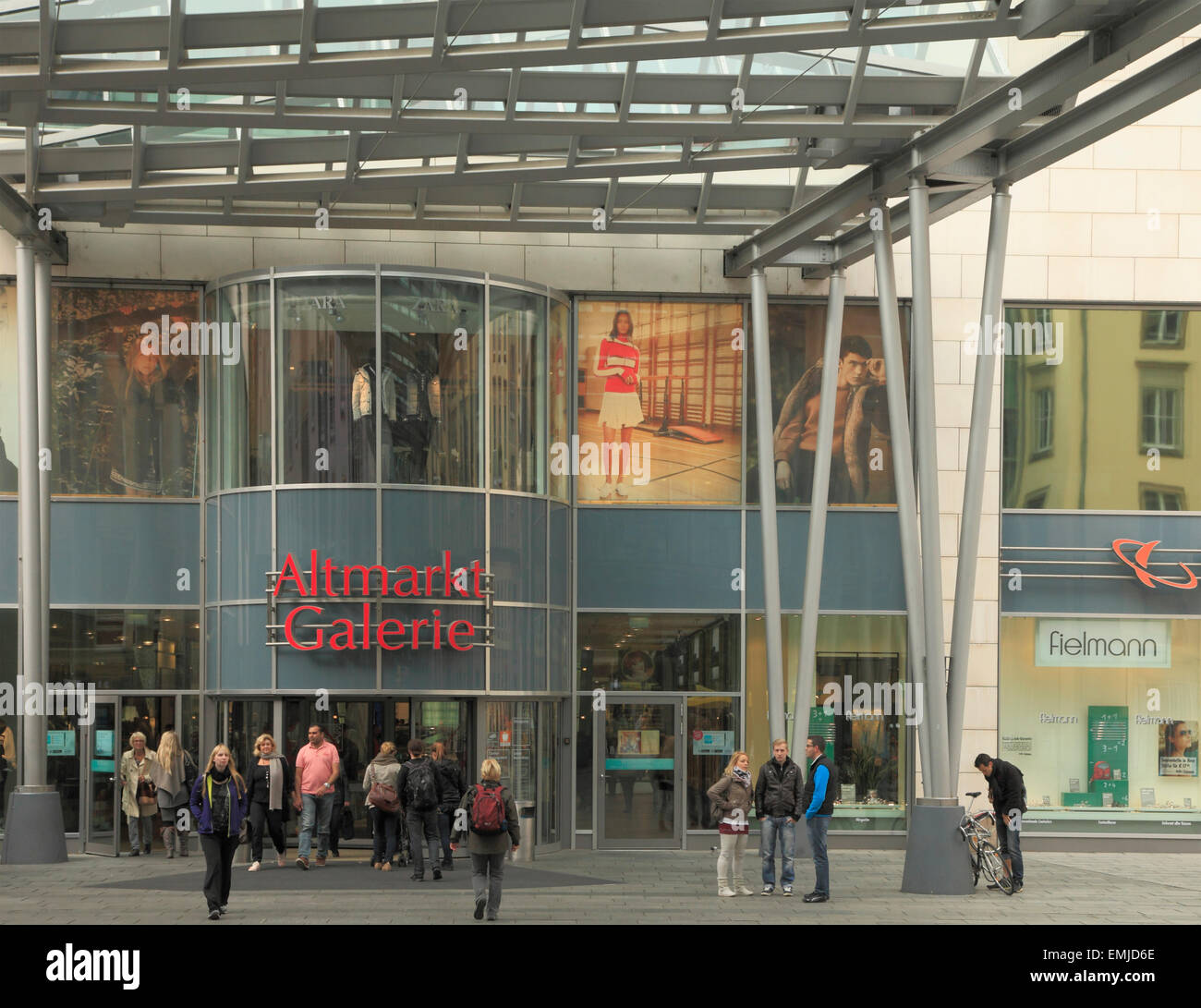 Germany Saxony Dresden Altmarkt Galerie Shopping Mall People Stock Photo Alamy