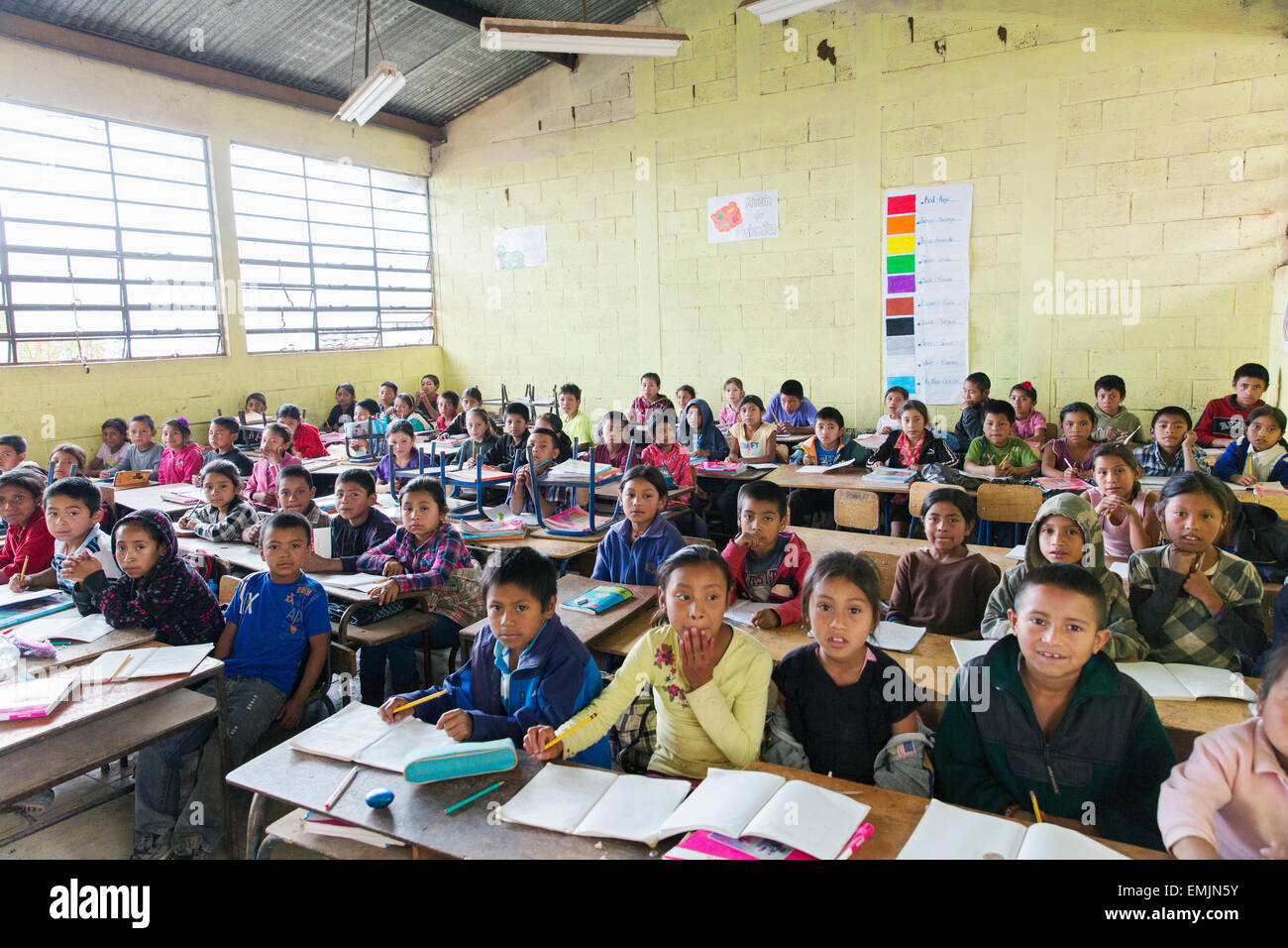 Guatemala,Jalapa, school children crowded into a classroom - Stock Image
