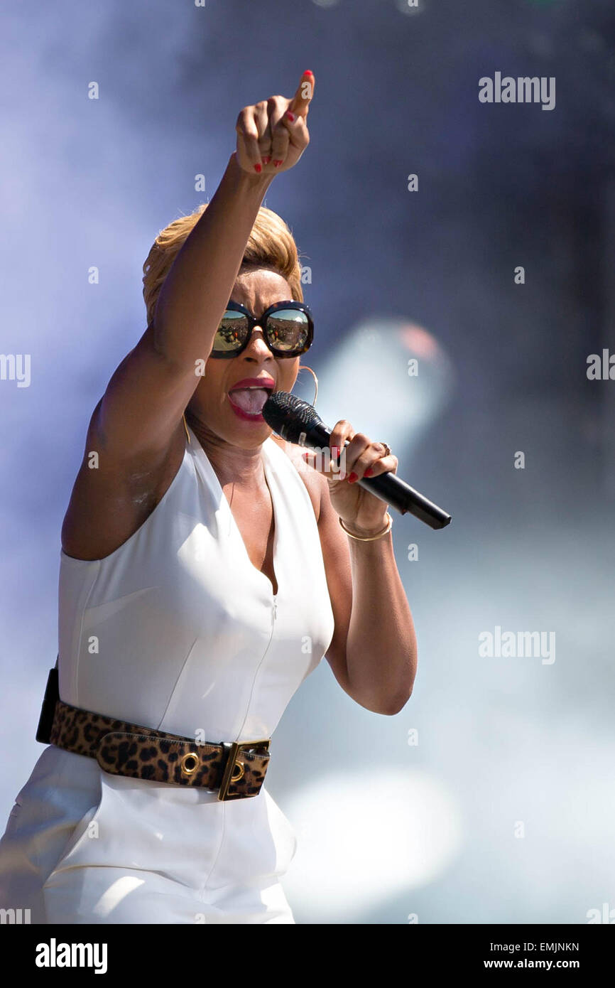 Singer Mary J. Blige performs during the Global Citizen 2015 Earth Day concert on the National Mall April 18, 2015 - Stock Image