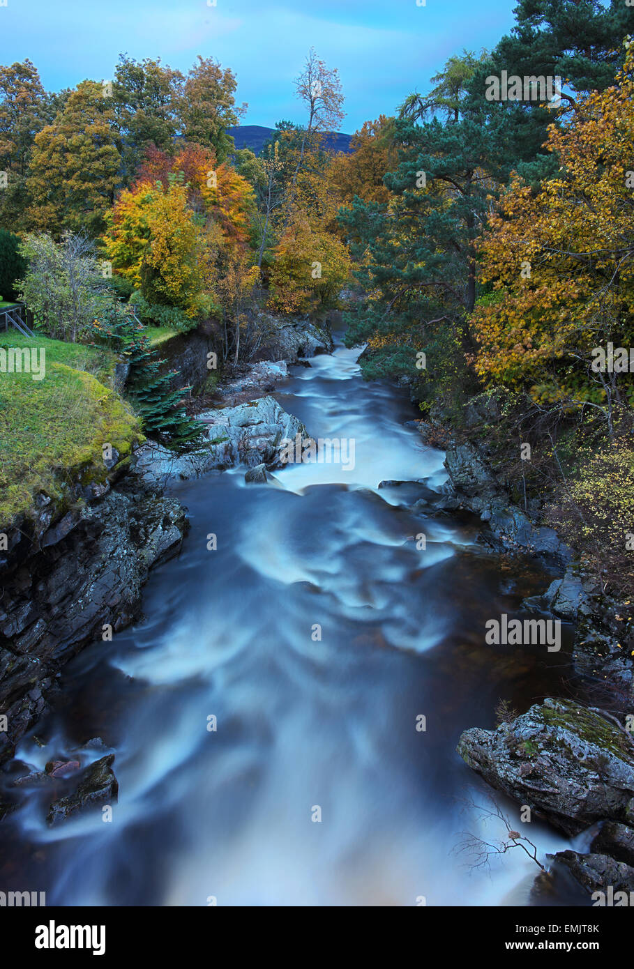 Clunie Water in the village of Braemar, Scottish Highlands, with autumn colour. - Stock Image