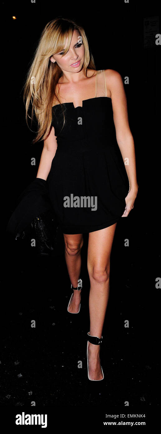 20.10.2008. LONDON  NADINE COYLE LEAVING NOBU RESTAURANT WITH HER NEW BOYFRIEND JASON BELL AT 11.30PM - Stock Image