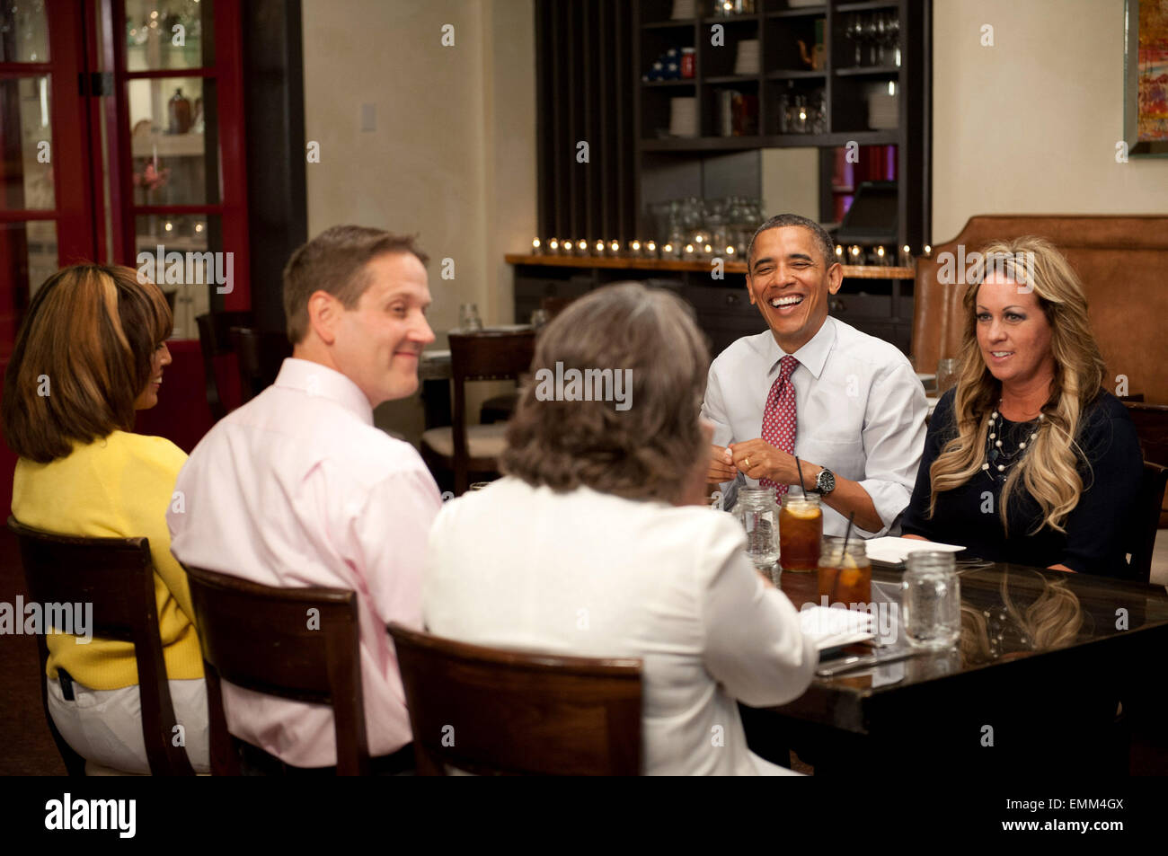 15.JUNE.2012. WASHINGTON  THE ASSOCIATED PRESS REPORTS THAT OBAMA SHARED LUNCH WITH FOUR WINNERS OF HIS 'LUNCH - Stock Image