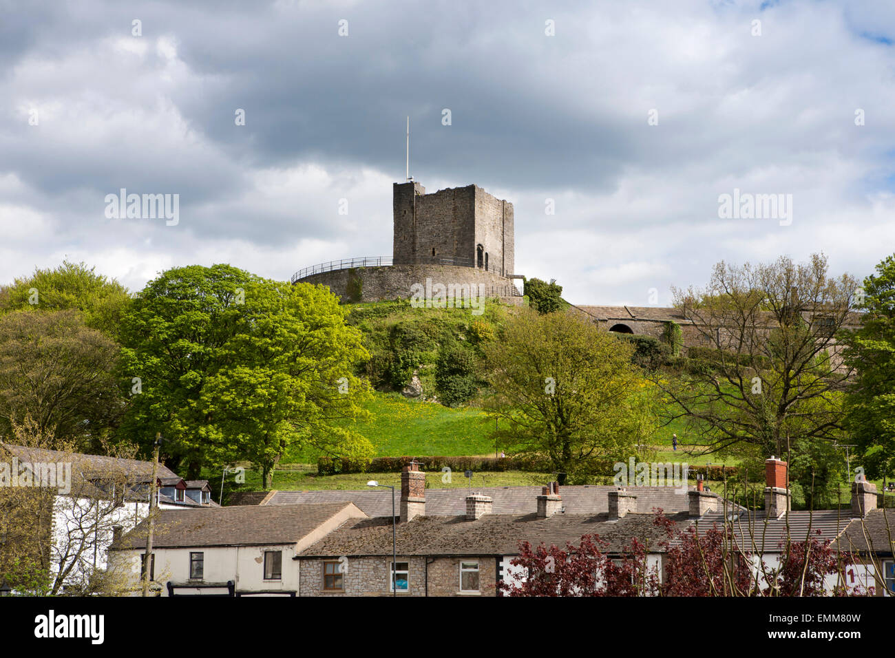 UK, England, Lancashire, Ribble Valley, Clitheroe castle keep above the town - Stock Image
