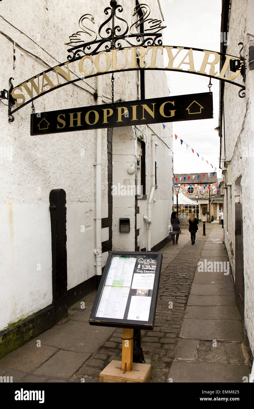 UK, England, Lancashire, Ribble Valley, Clitheroe, Swan Courtyard, shopping development - Stock Image