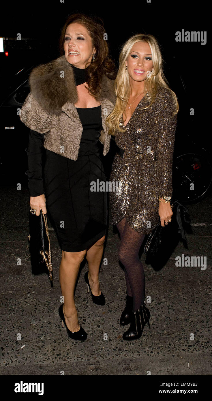 807da56a34717 NOV.2009 - LONDON PETRA ECCLESTONE AND HER MOTHER SLAVIKA ATTEND OPENING OF