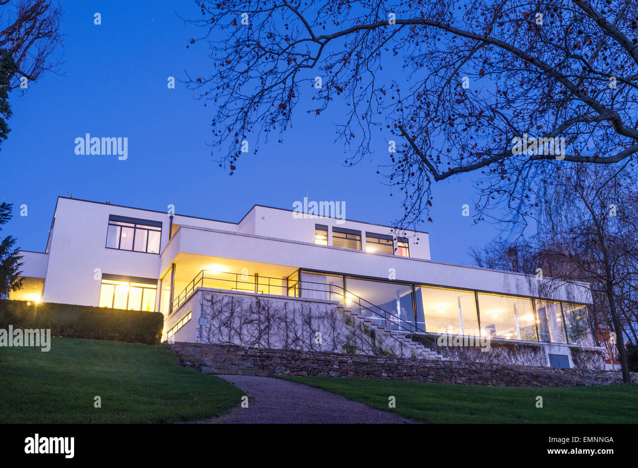 villa tugendhat at dusk mies van der rohe built it between 1928 and stock photo 81612506 alamy. Black Bedroom Furniture Sets. Home Design Ideas