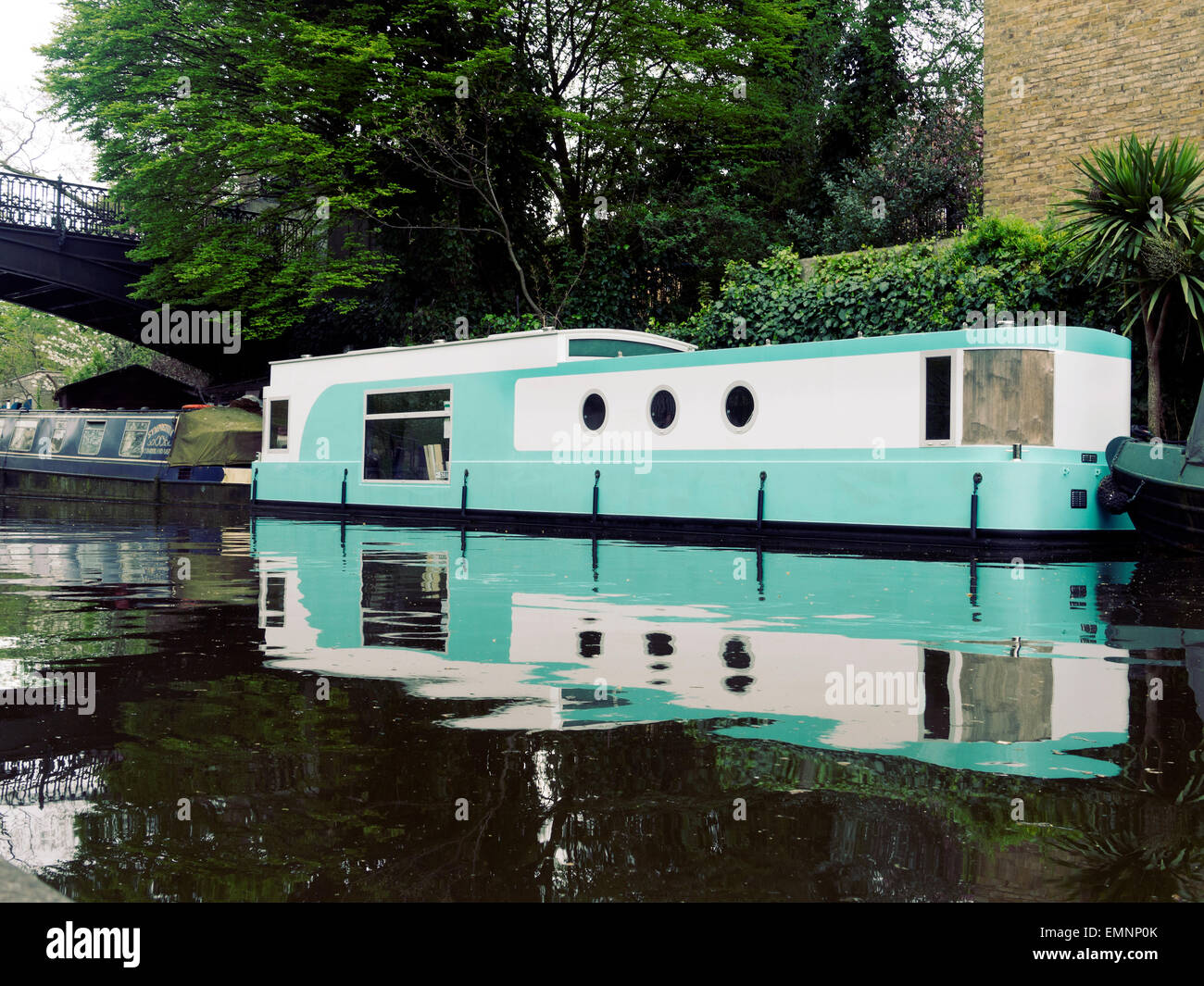 House boat on the Regents Park Cannal Camden North London UK - Stock Image