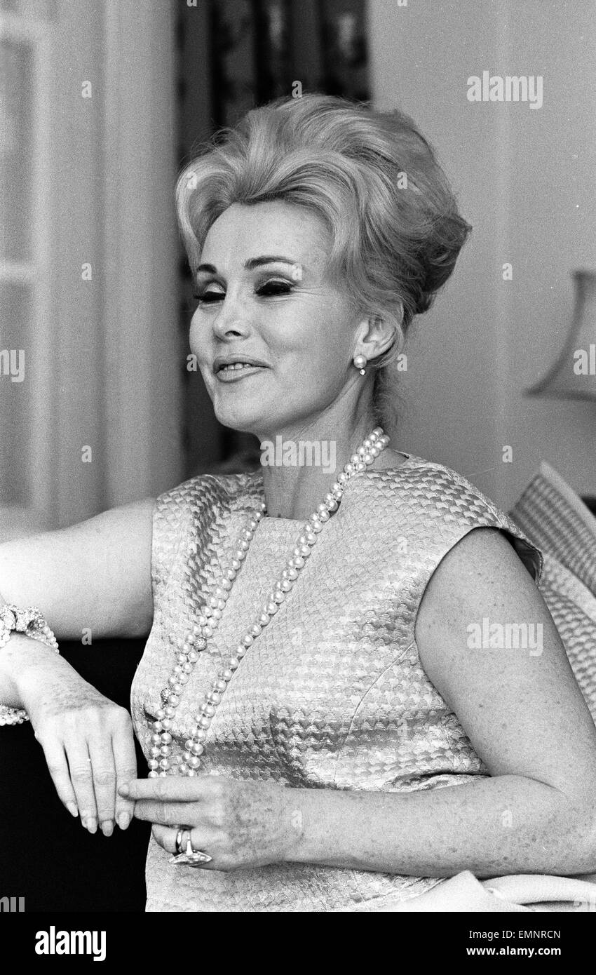 Actress Zsa Zsa Gabor pictured at a West London Hotel, Saturday 12th March 1966. Newlywed Zsa Zsa Gabor flew into Stock Photo