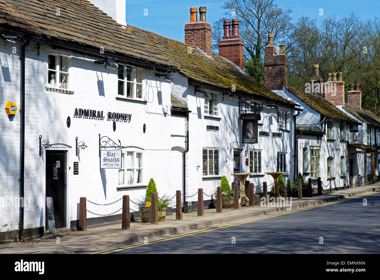Pub, Ye Olde Admiral Rodney, in the village of Prestbury, Cheshire, England UK - Stock Image