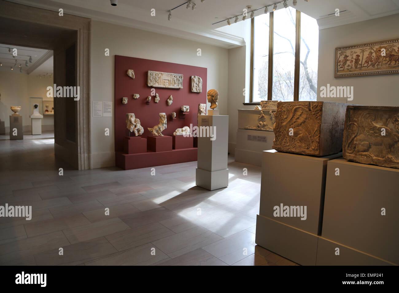 USA. New York city. Metropolitan Museum of Art. Inside. Roman Room. - Stock Image