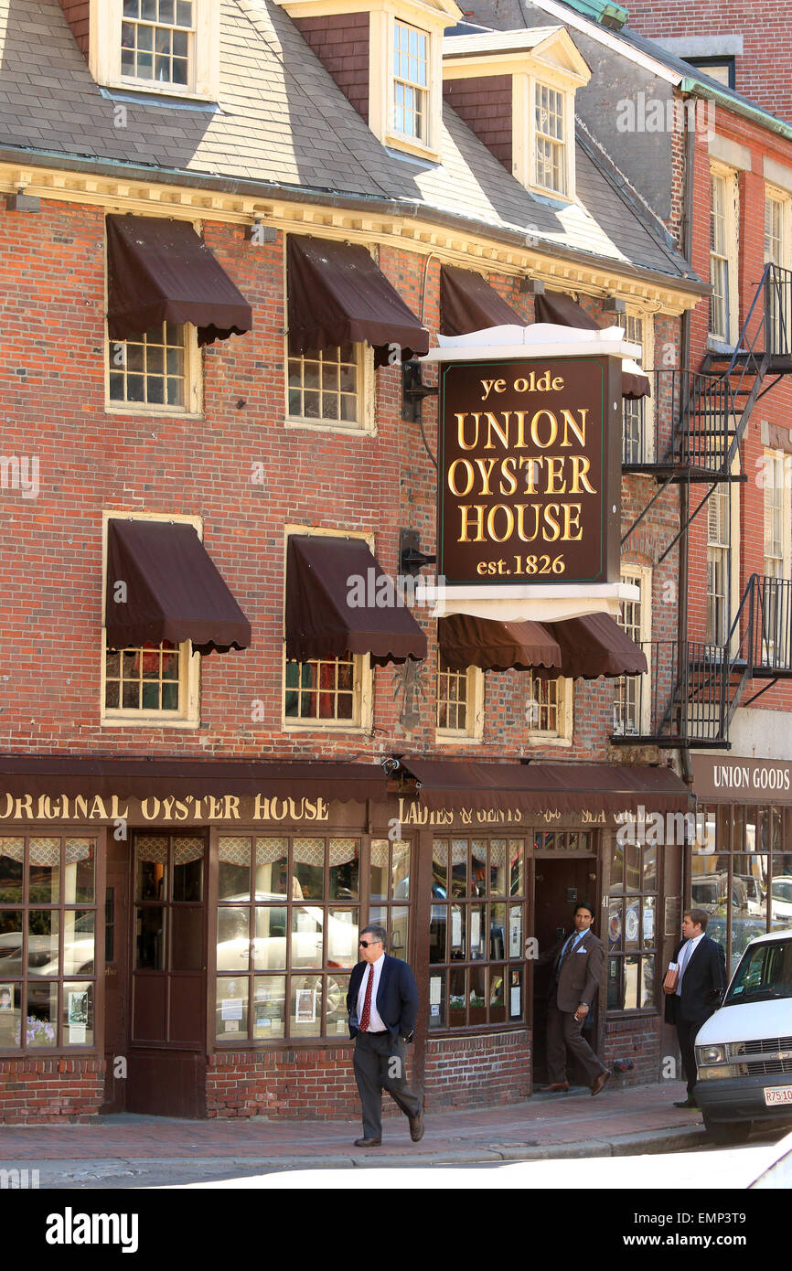 Boston Masschusetts Freedom Trail landmark Ye Olde Union Oyster House restaurant and businessman, business man. - Stock Image