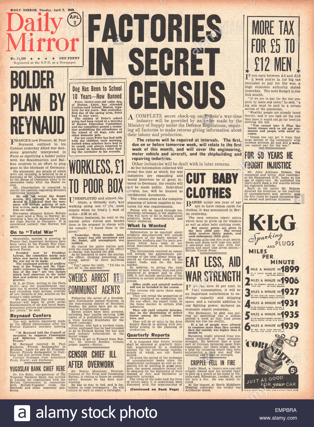 1940 front page Daily Mirror British industry in labour production census - Stock Image