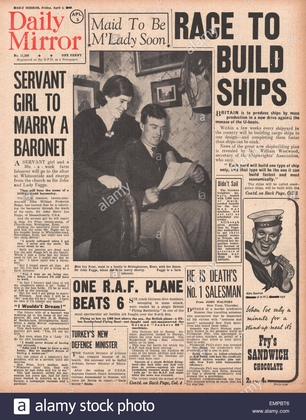 1940 front page Daily Mirror Mass production of British ships - Stock Image