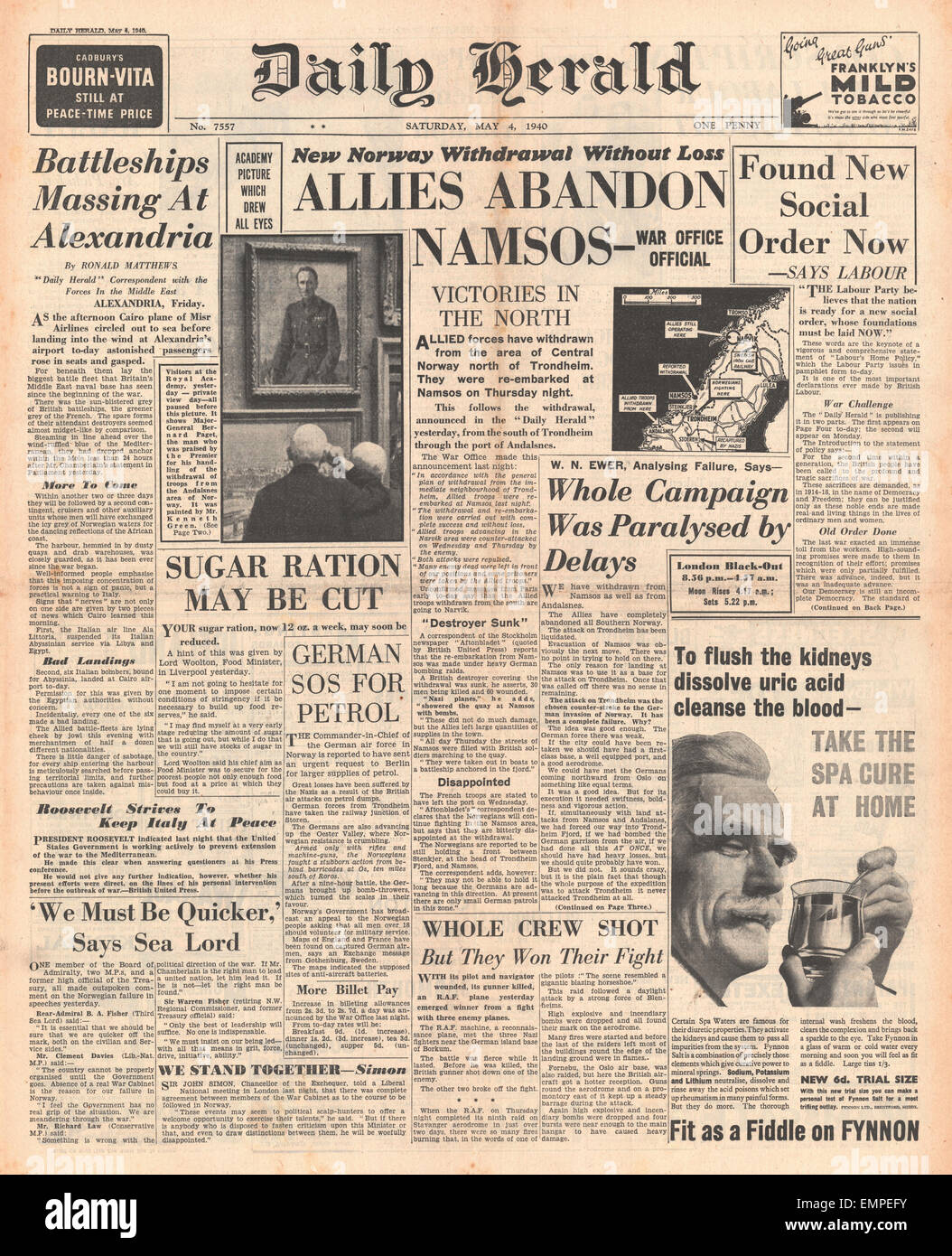 1940 front page  Daily Herald Allies abandon Namsos Stock Photo
