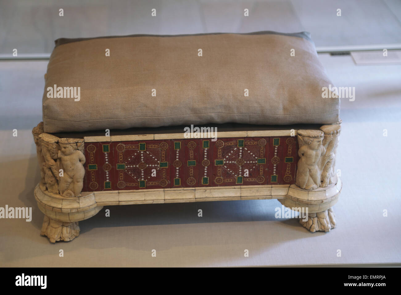 Furniture roman. Couch and footstool bone carving and glass inlays. 2nd century AD. From Rome. Metropolitan Museum. - Stock Image