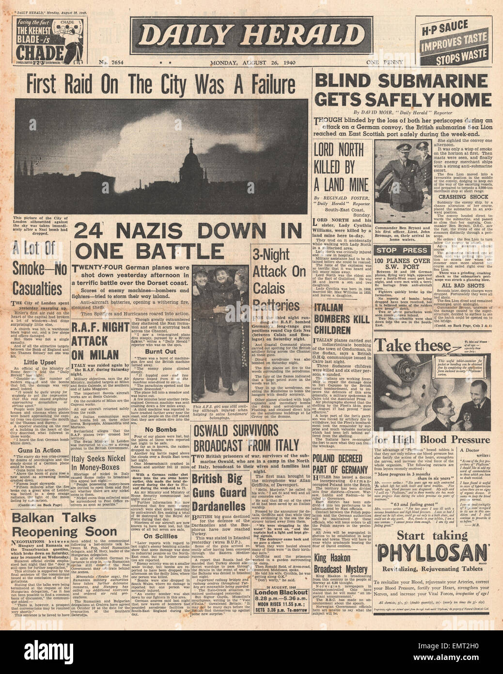 1940 front page Daily Herald London is bombed Stock Photo