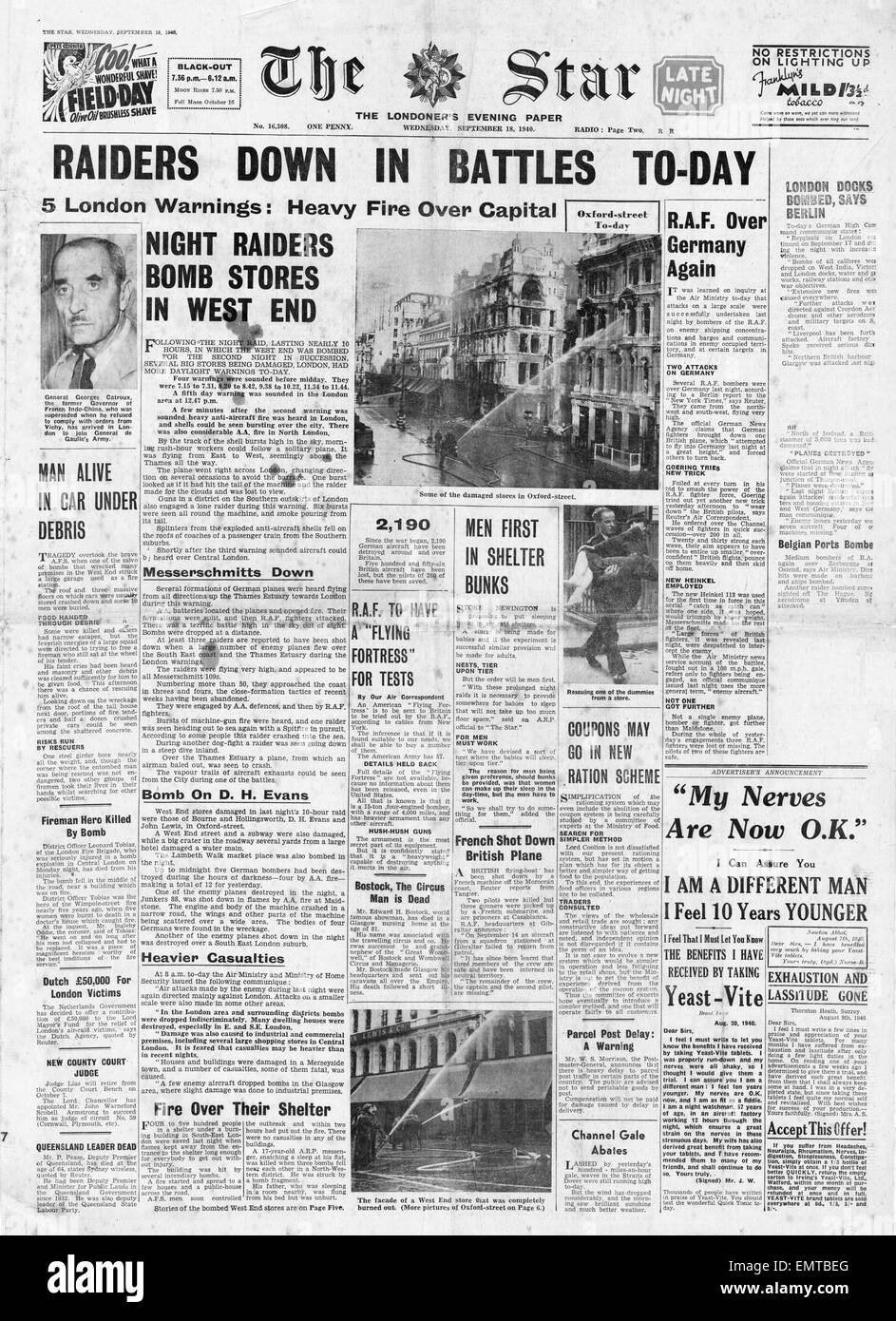 1940 front page Daily Herald RAF Bomb Hamburg and Air Battles over South East England - Stock Image