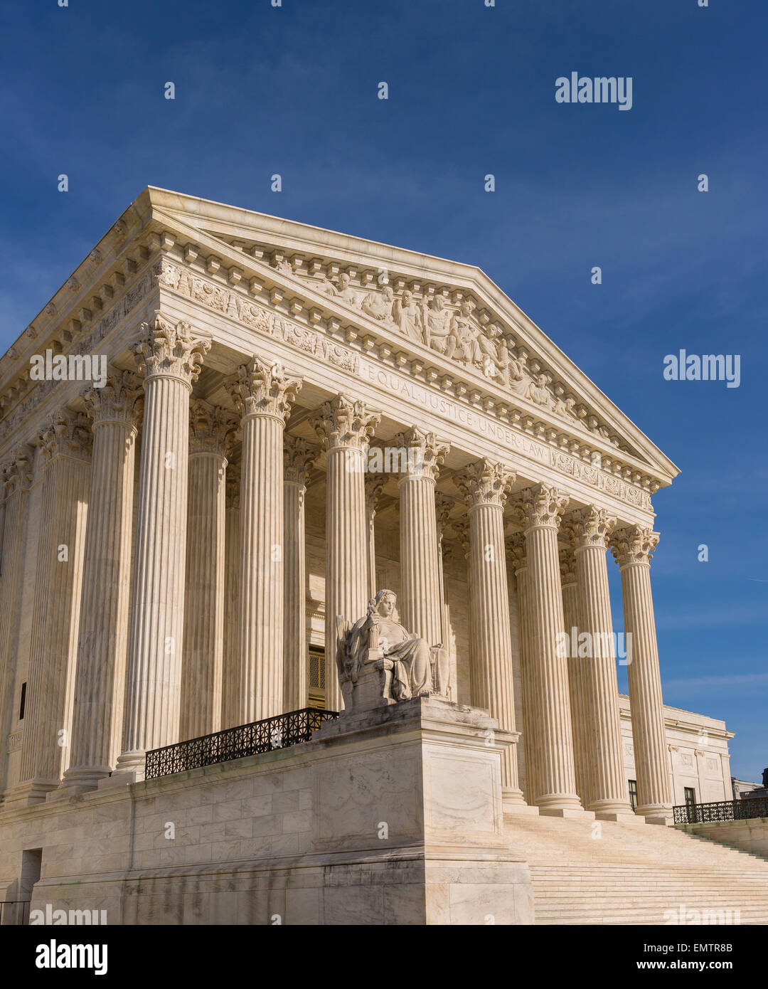 WASHINGTON, DC, USA - United States Supreme Court building exterior. 'Contemplation of Justice' statue by - Stock Image