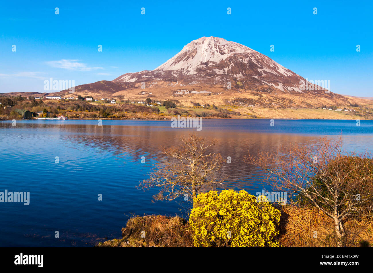 Mount Errigal, An Earagail,  a 751-metre (2,464 ft) mountain near Gweedore in County Donegal, Ireland. - Stock Image
