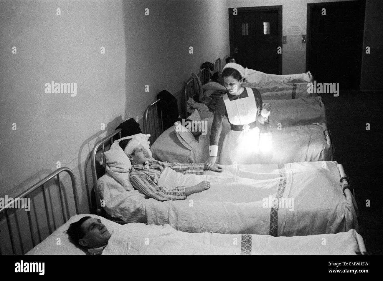 Scenes at Westminster Hospital on christmas Eve 1940. 24th December 1940 - Stock Image