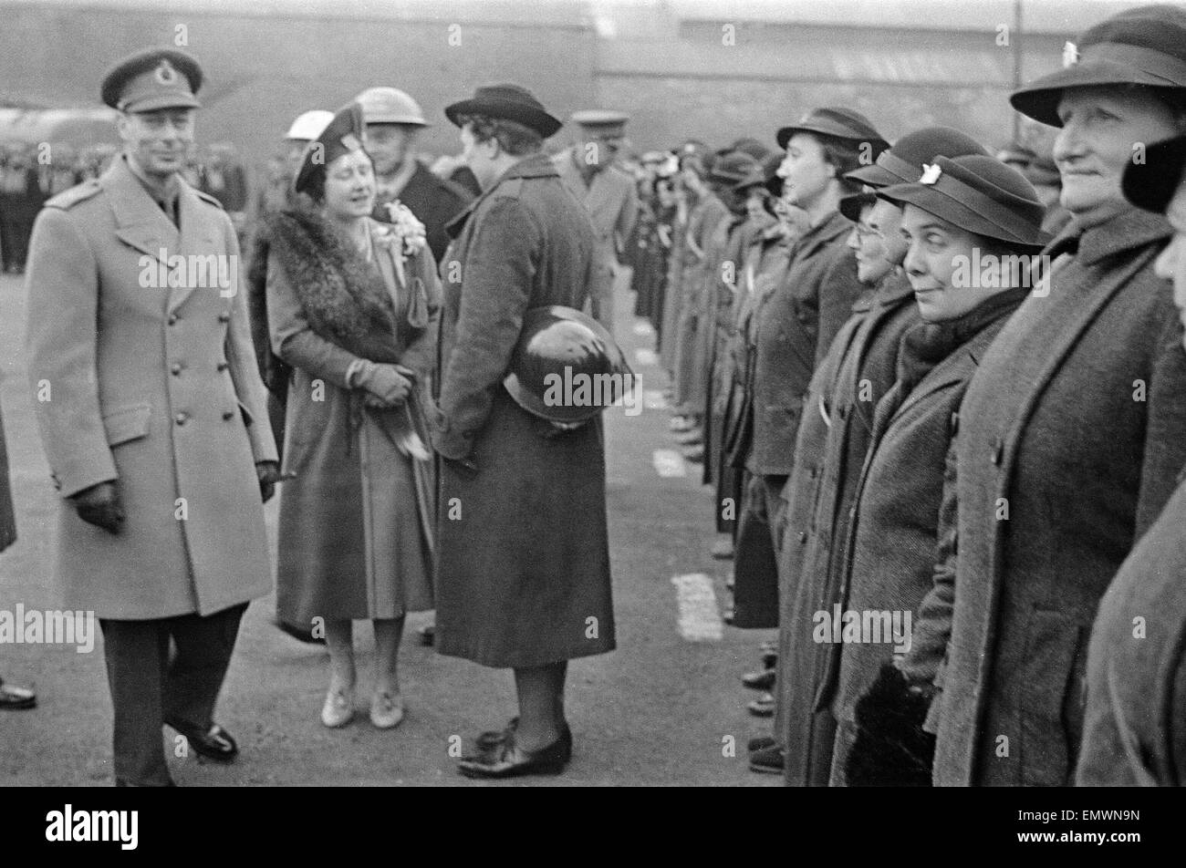 George VI and Queen in Coventry. 25th feb 1942 - Stock Image