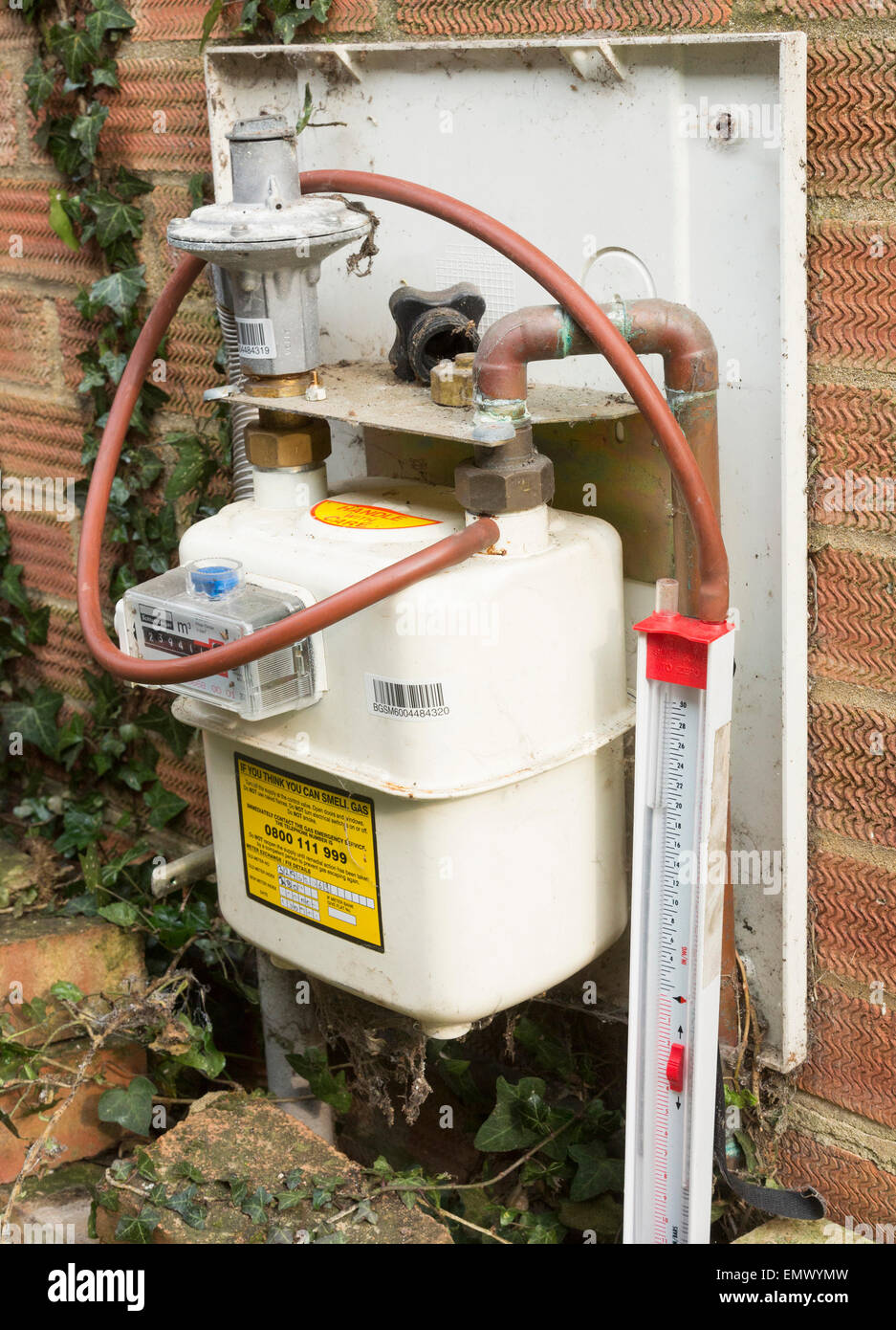 gas meter leak test using manometer - Stock Image