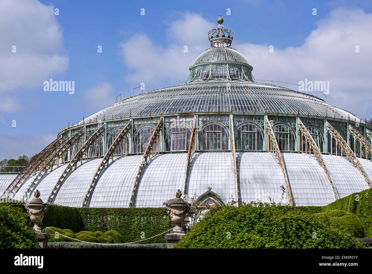 Dome of the Jardin d'hiver / Winter Garden in Art Nouveau style, Royal Greenhouses of Laeken, park of the Royal - Stock Image