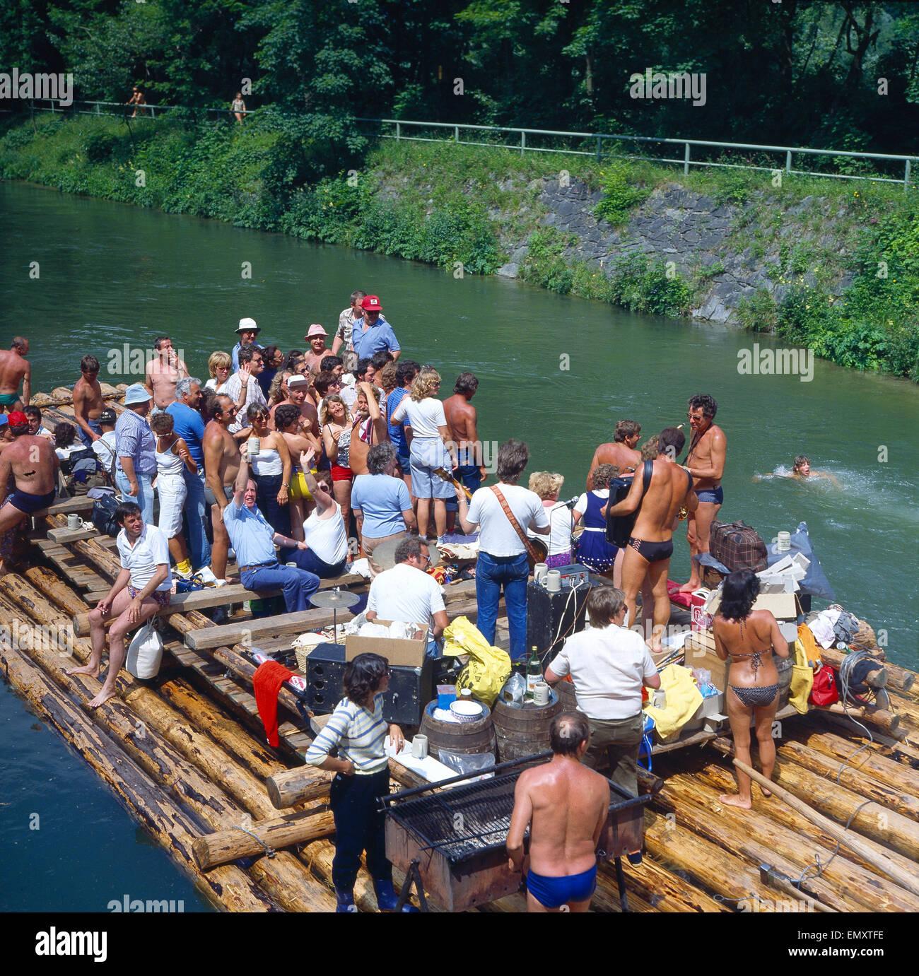 Deutschland, Floßfahrt auf der Isar Stock Photo - Alamy