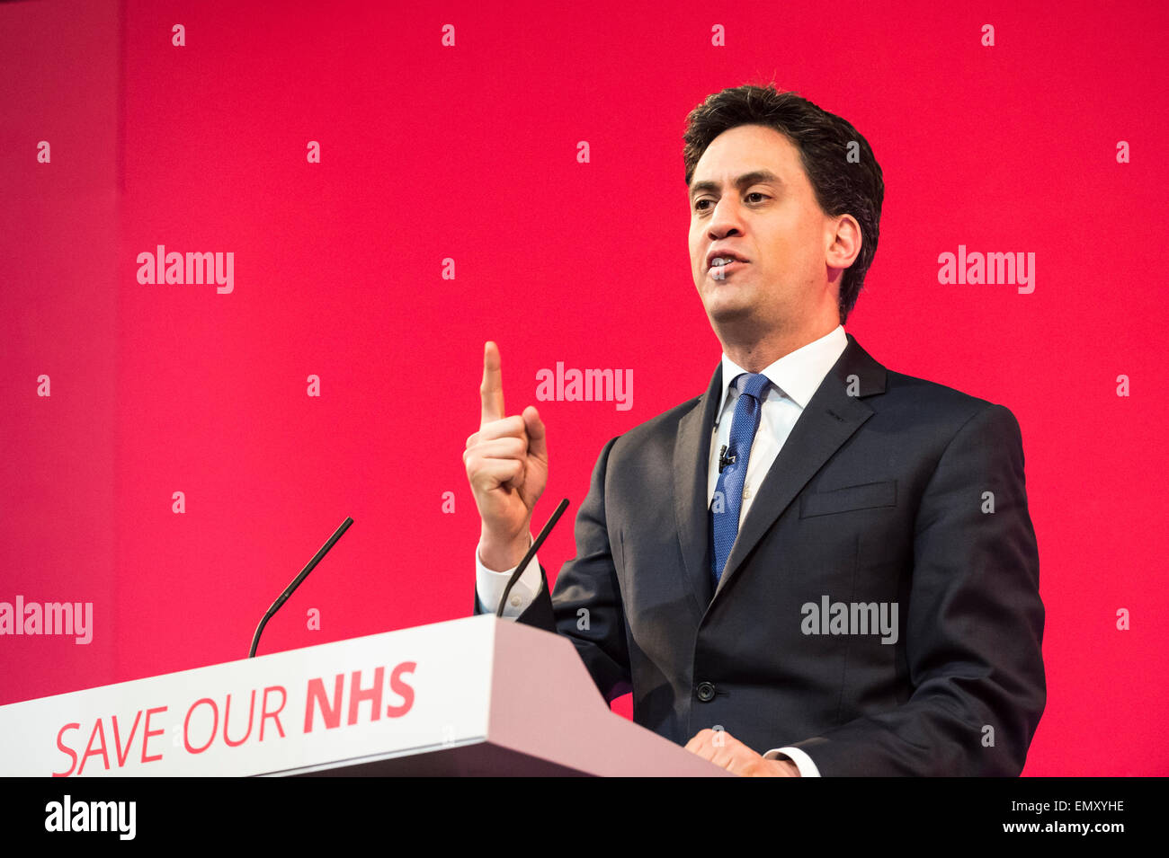 Leeds, UK. 23rd Apr, 2015. Ed Miliband addressed hundreds of Labour supporters and trade unionists at a rally in - Stock Image