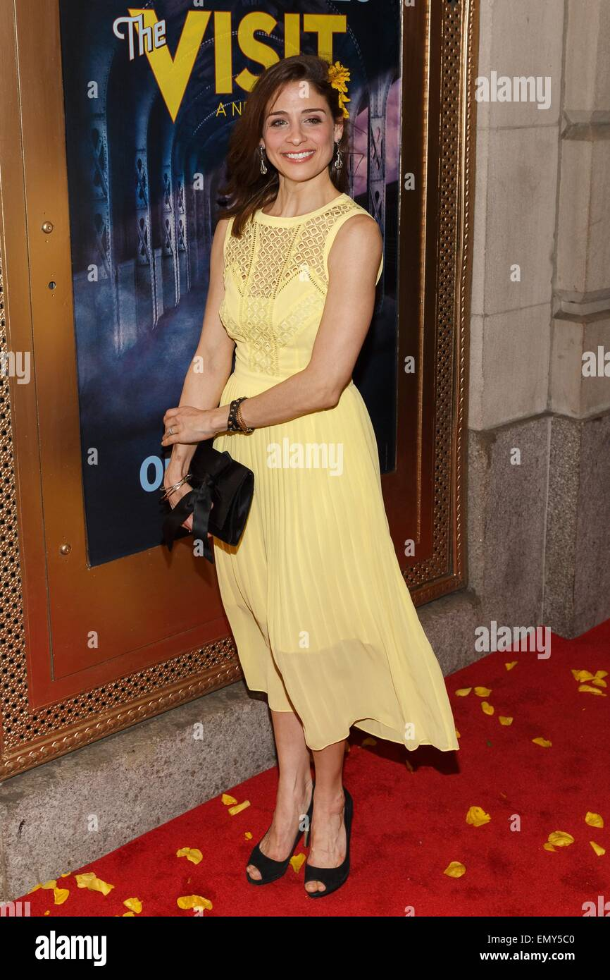 New York, NY, USA. 23rd Apr, 2015. Elena Shaddow in attendance for THE VISIT Opening Night on Broadway, The Lyceum - Stock Image