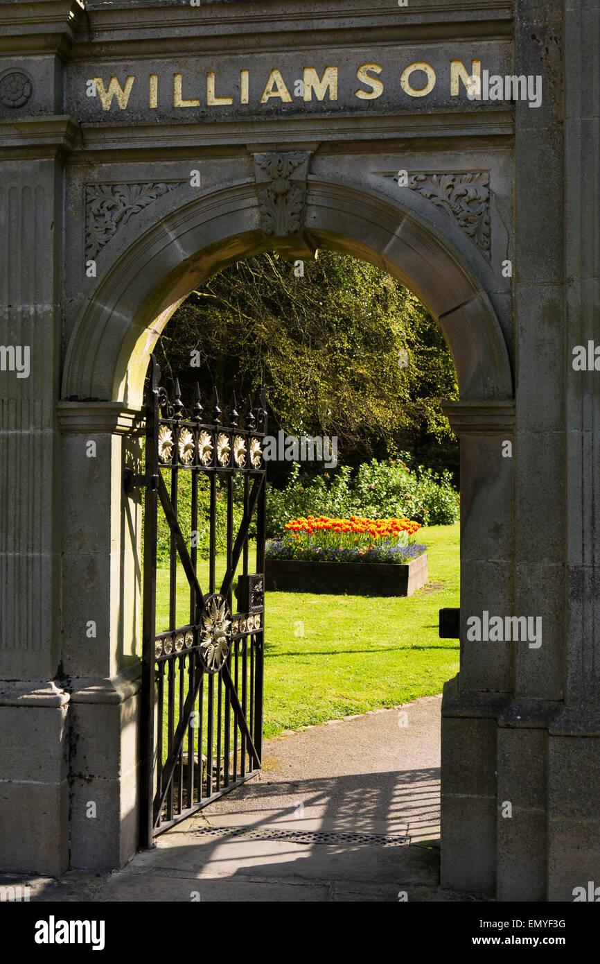 UK, England, Lancashire, Lancaster, Wyresdale Road, Williamson Park, gate - Stock Image
