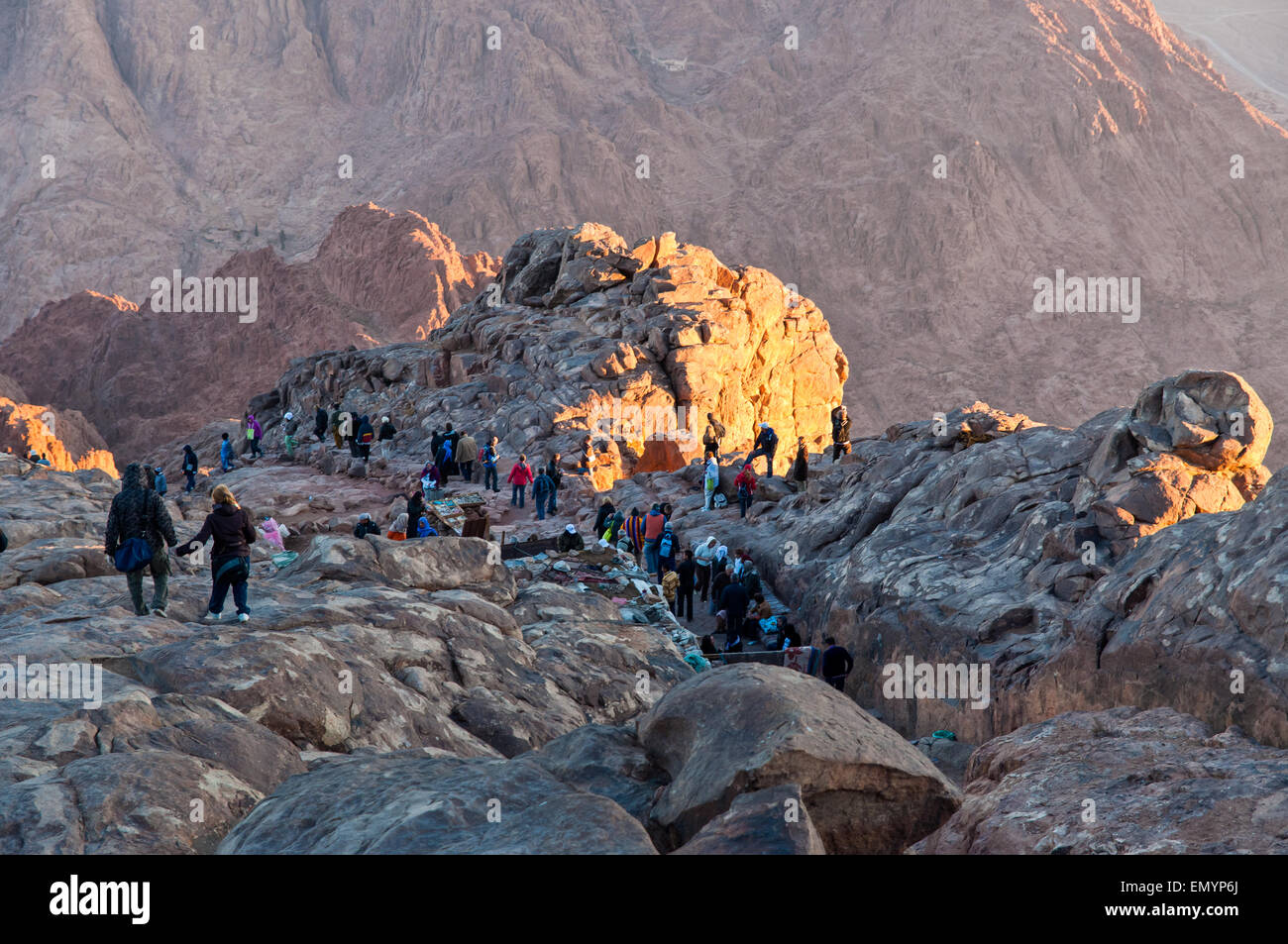 Pilgrims and tourists on the pathway from the Mount Sinai peak in early morning - Stock Image