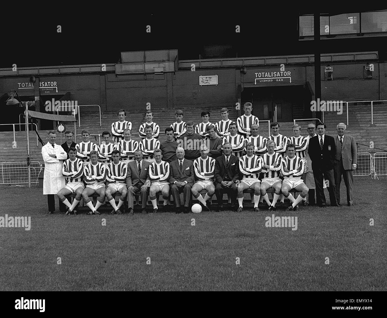 Bristol Rovers football team pose for a team group at their Eastville Stadium home. August 1965. - Stock Image