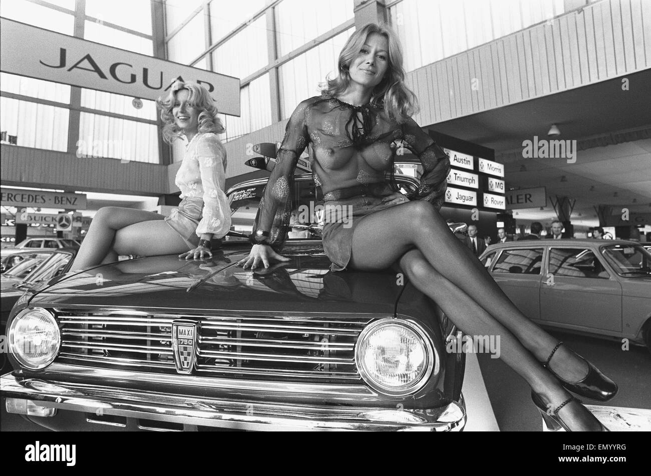 General scenes from the 1972 Paris motor show 6th October ...