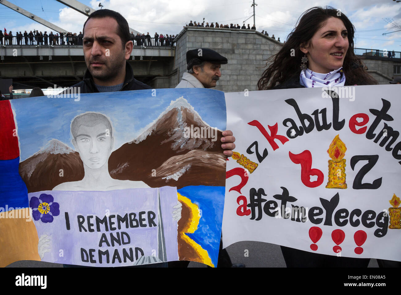 Moscow, Russia. 24th Apr, 2015. Ethnic Armenians mark the 100th anniversary of the Armenian genocide in the Ottoman - Stock Image