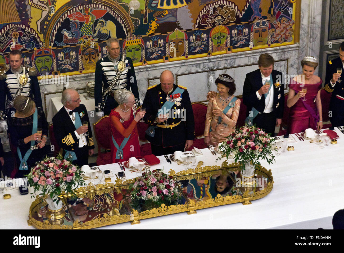Copenhagen, Denmark, April15th, 2015. Danish Queen Margrethe opens the gala dinner at Christiansborg with a toast. - Stock Image