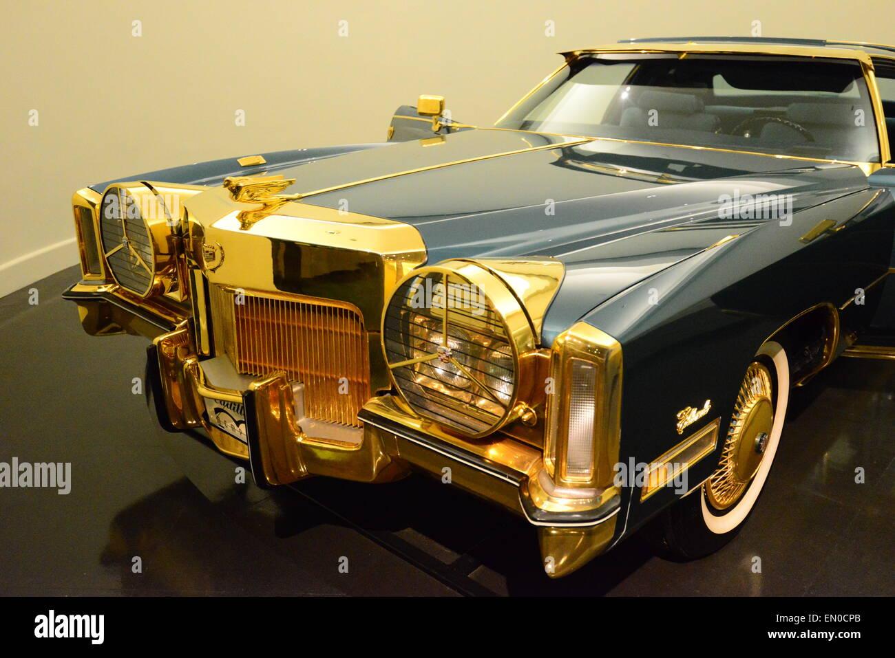 Isaac Hayes Gold Plated Cadillac Eldorado Stock Photo 81759283 Alamy