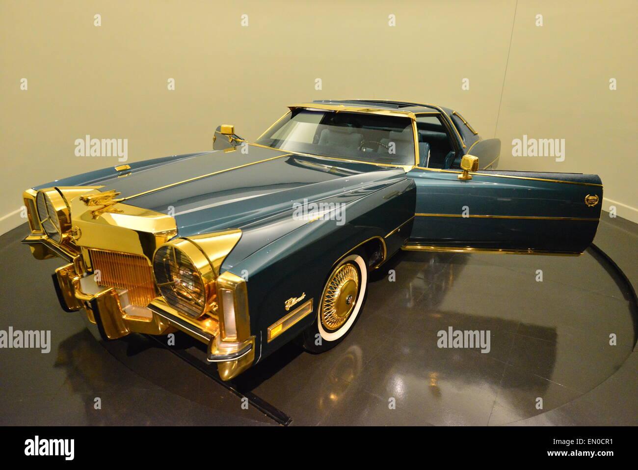 Isaac Hayes Gold Plated Cadillac Eldorado Stock Photo 81759301 Alamy