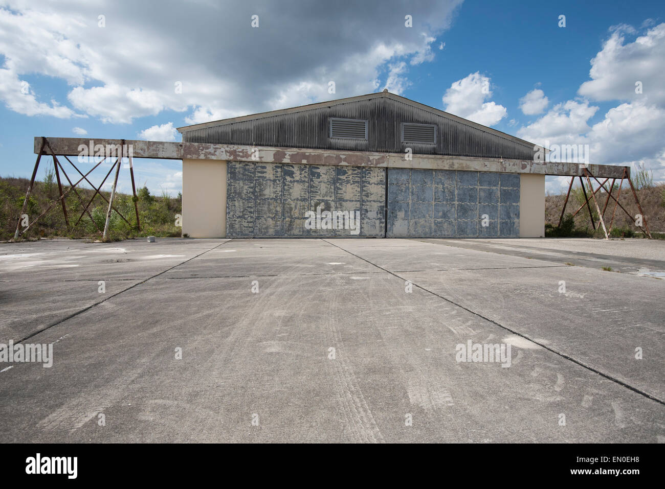 One of the three missile storage sheds that housed nike nuclear missiles during the cuban missile crisis - Stock Image