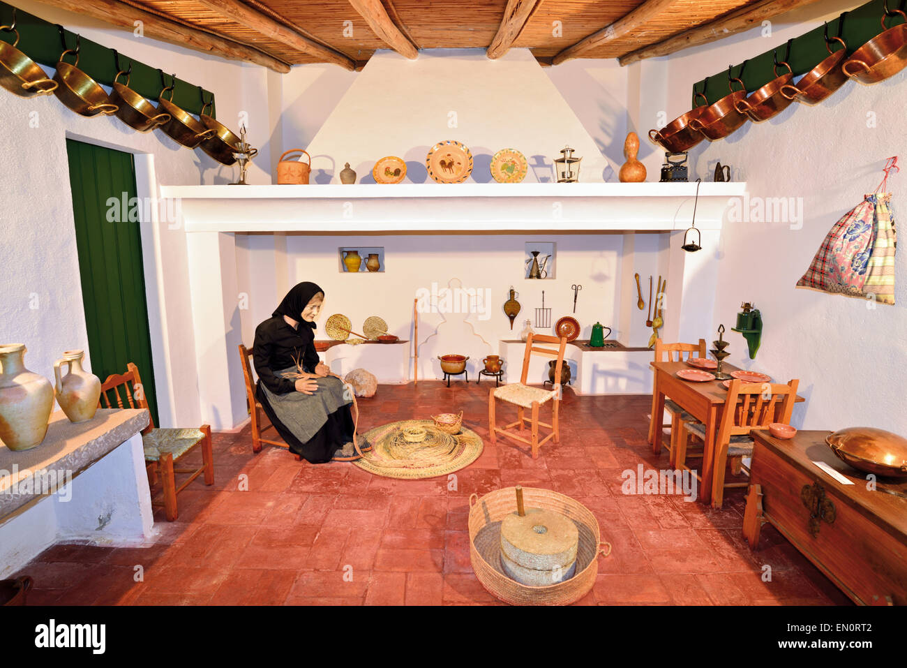 Portugal, Algarve: Example of a traditional algarvian kitchen in the Regional Ethnographic Museum of Faro - Stock Image