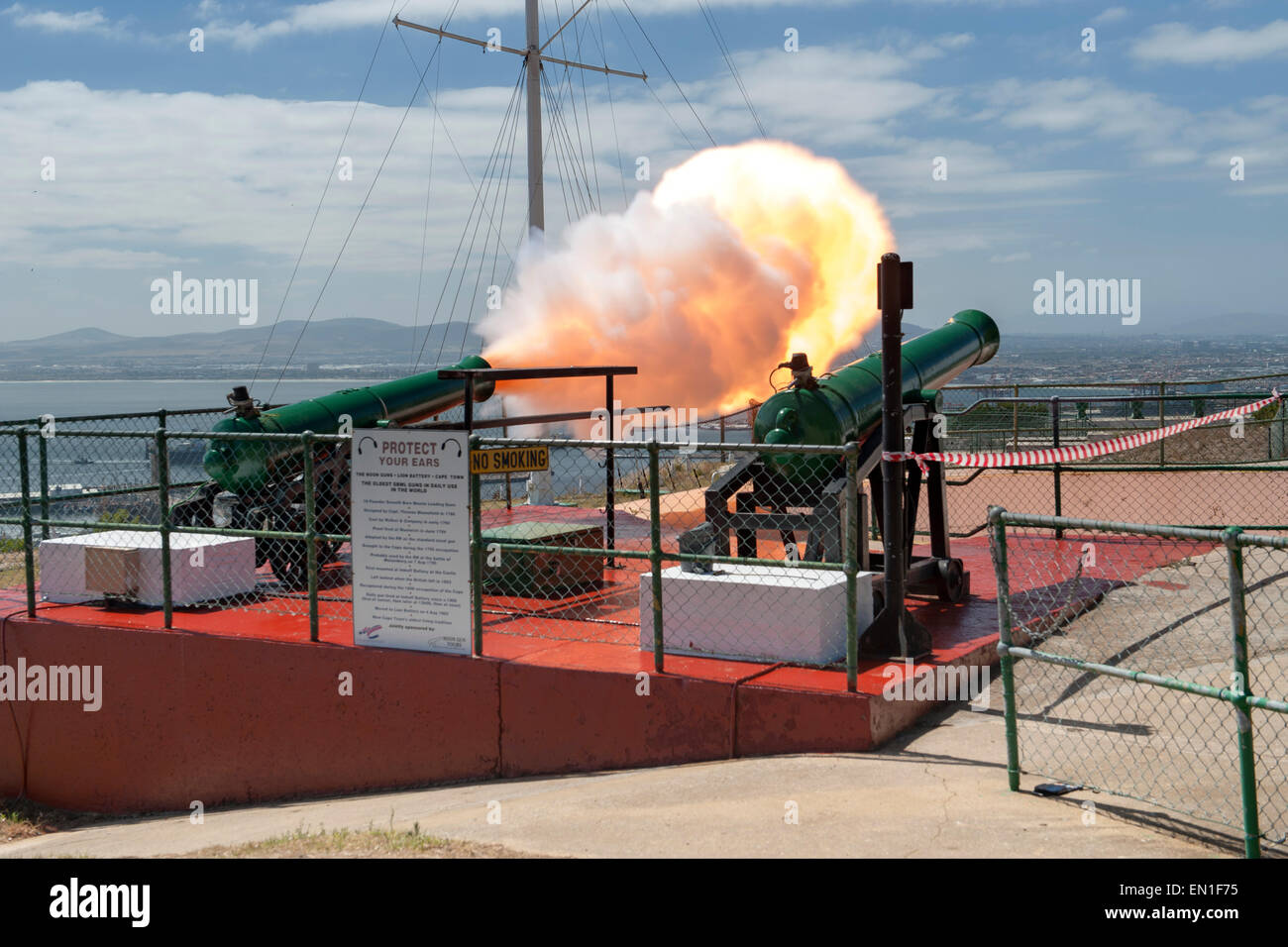 The Noon Gun firing in Cape Town, South Africa. - Stock Image