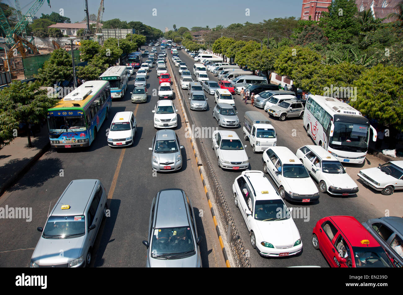 yangon traffic congestion stock photos yangon traffic congestion stock images alamy. Black Bedroom Furniture Sets. Home Design Ideas
