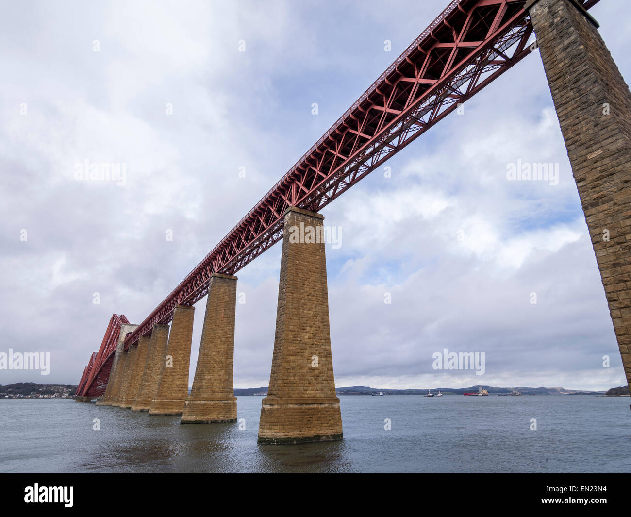 Forth Bridge, cantilever railway bridge over the Firth of Forth, Edinburgh, Scotland, UK - Stock Image