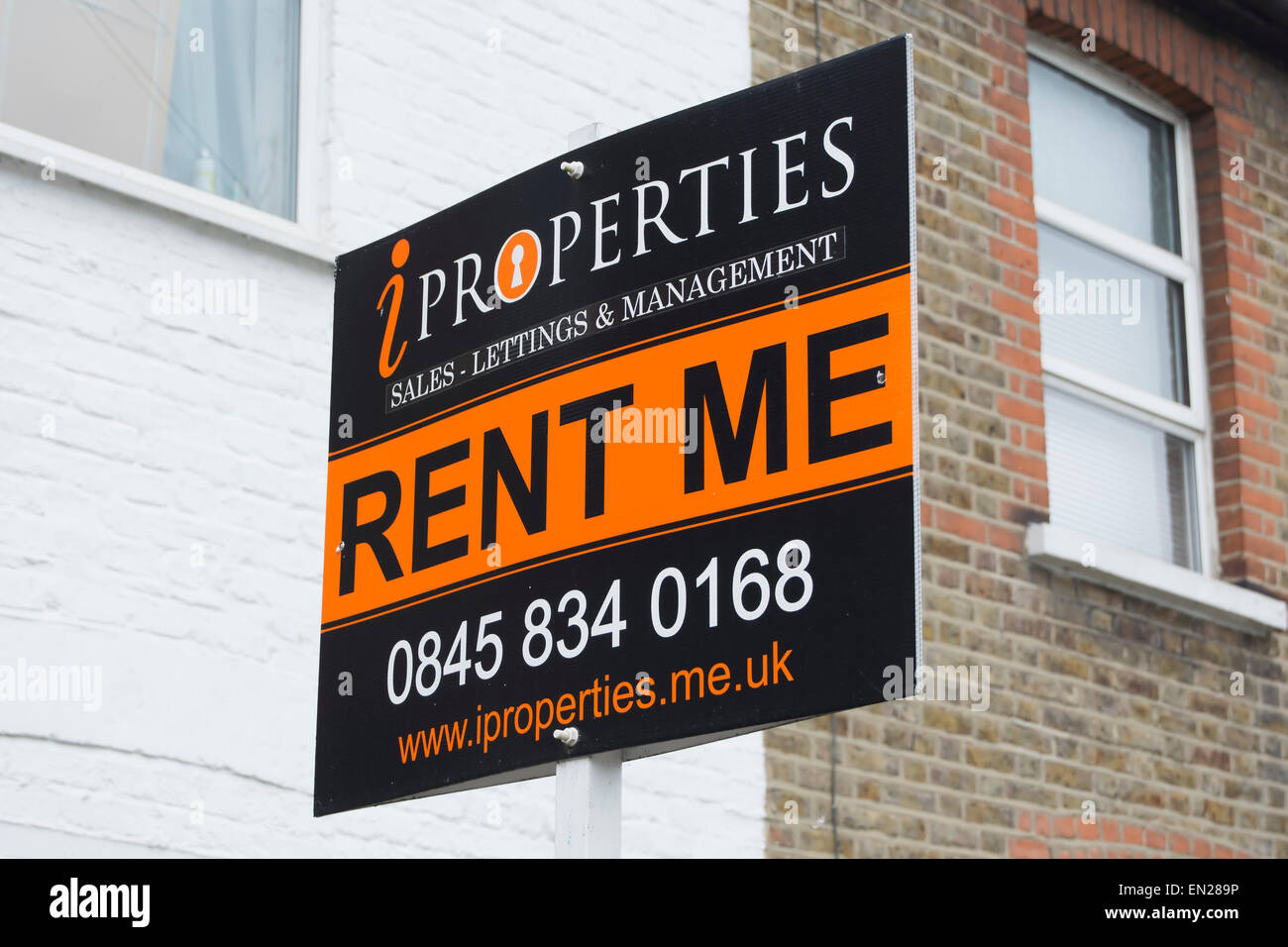 letting agents rent me sign outside a property in kingston upon thames, surrey, england - Stock Image