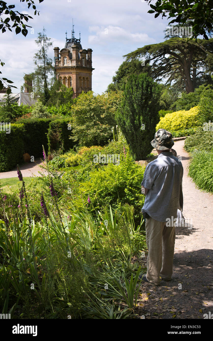 UK, England, Somerset, Cheddon Fitzpaine, Hestercombe Gardens, visitors in Victorian Shrubbery garden - Stock Image