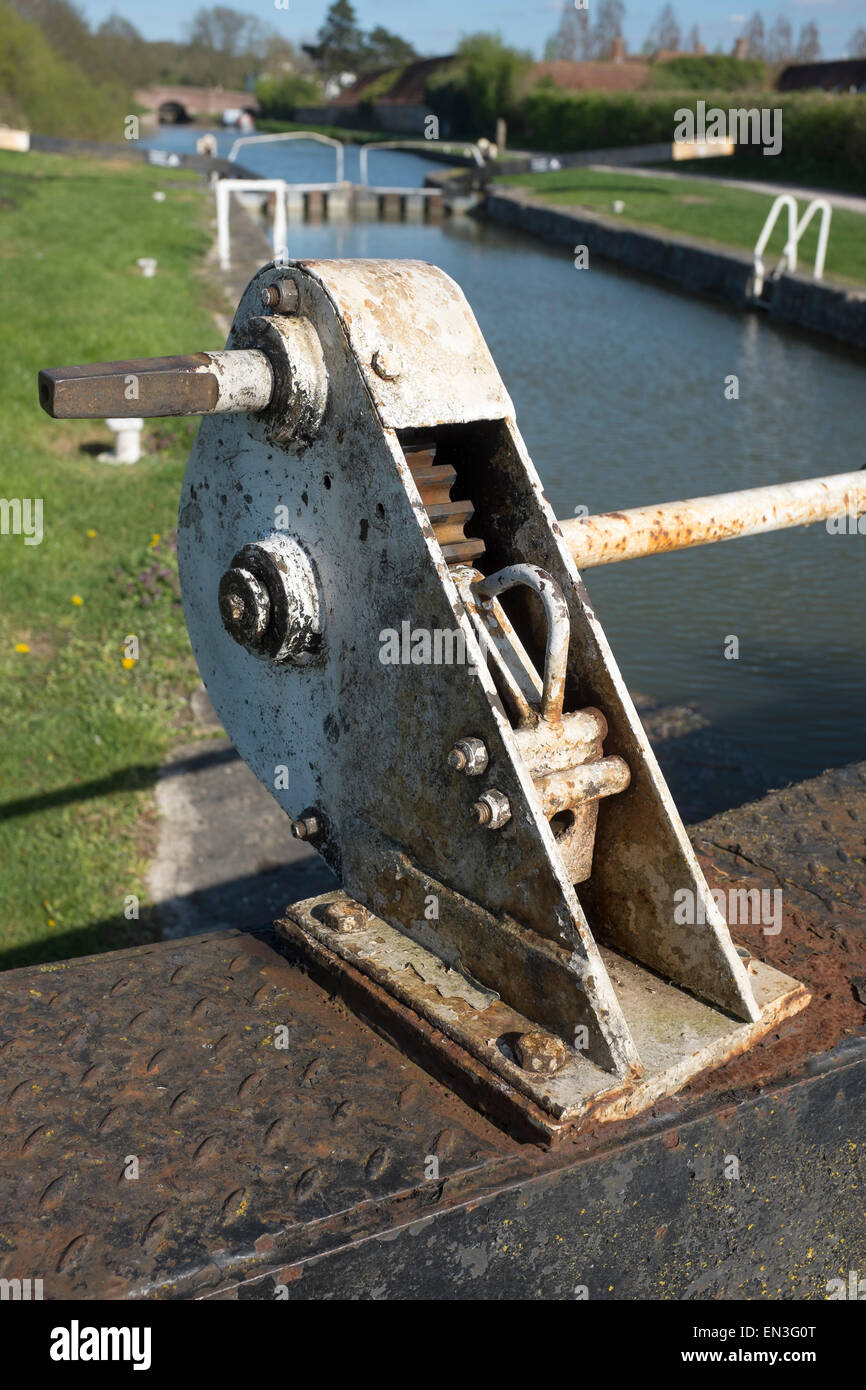 Lock Gate Opening Winding Gear on the Kennet and Avon Canal at Devizes in Wiltshire England UK - Stock Image