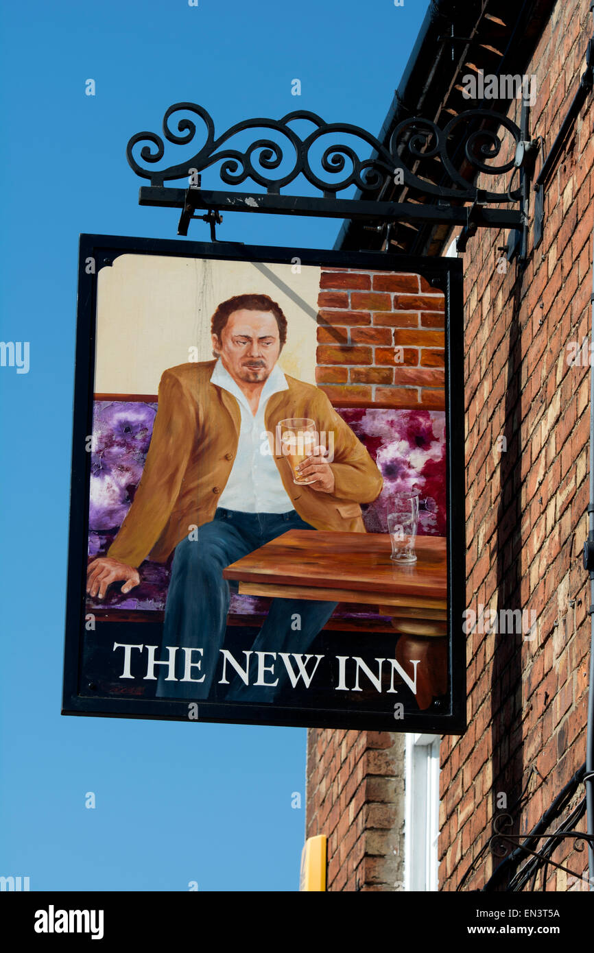 The New Inn pub sign, Pershore, Worcestershire, England, UK - Stock Image