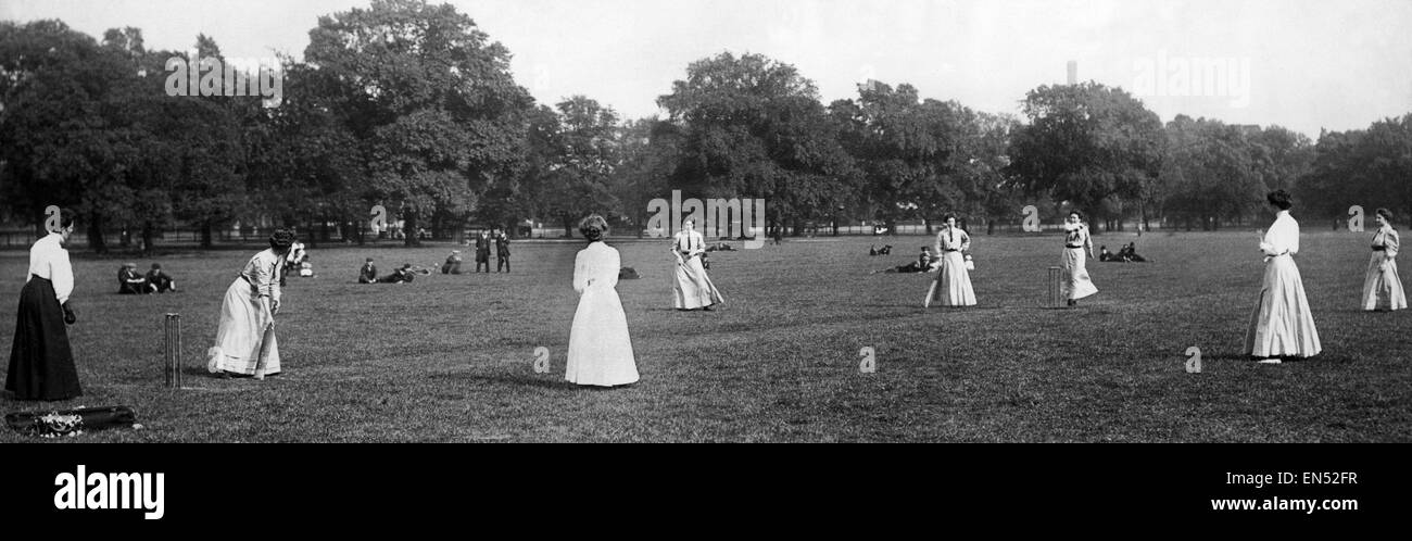 Female cricketers of The Regent's Ladies Games Club in action at Regent's Park. 18th June 1909. Stock Photo