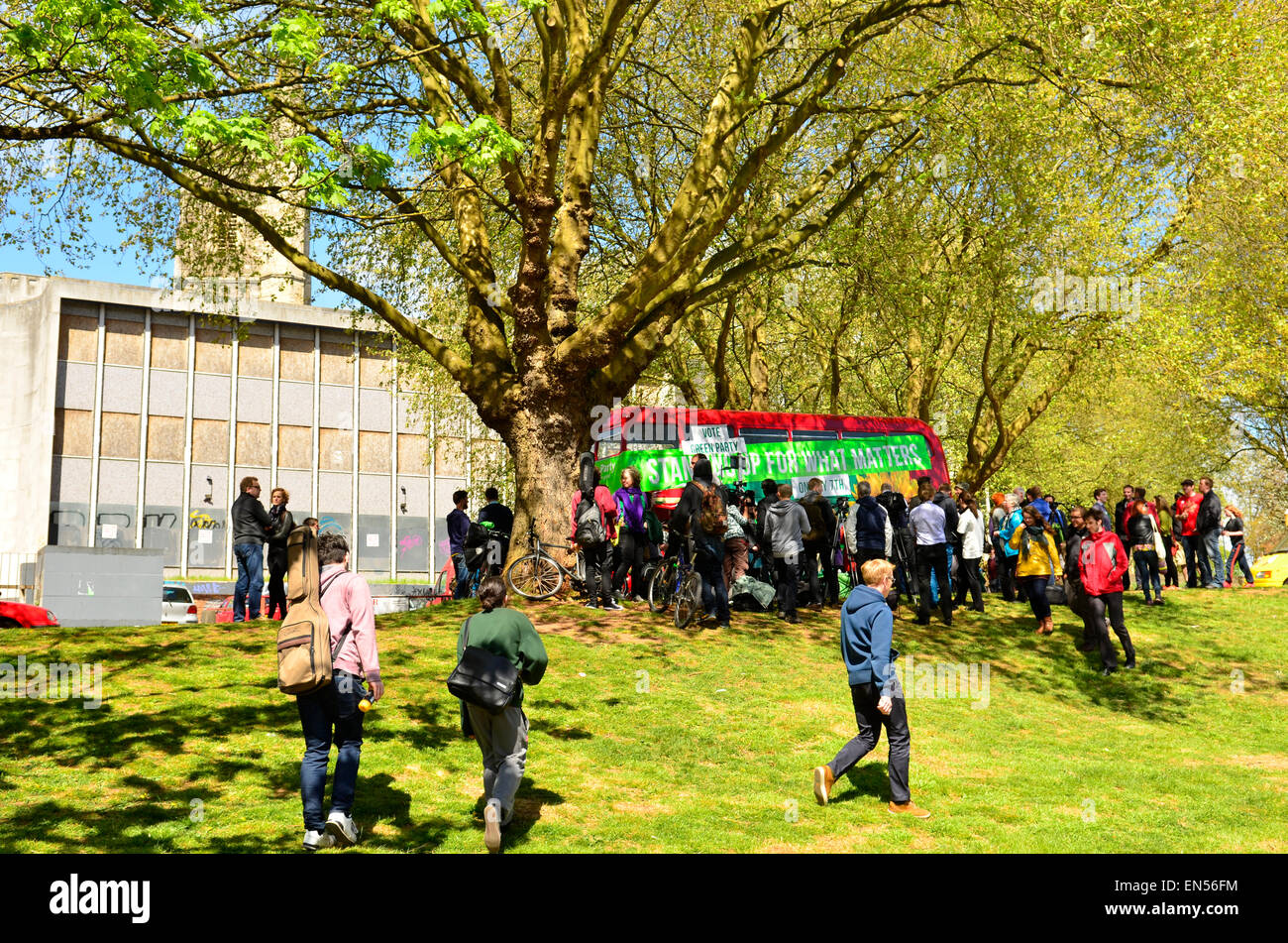 Bristol, UK. 28th Apr, 2015. Green party campaign Bus In Bristol with speaches given by Darren Hall MP Candidate - Stock Image
