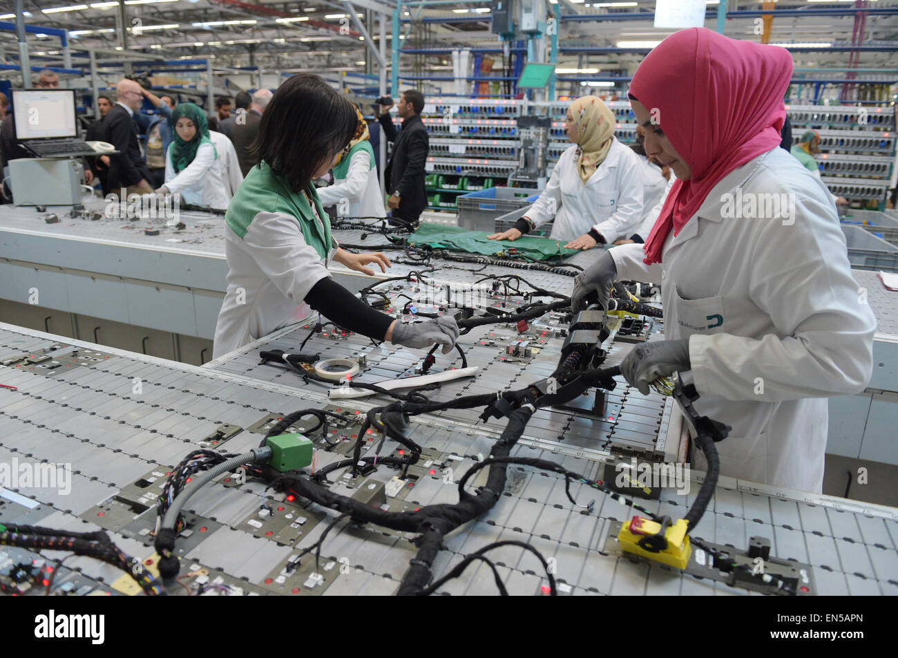 Wiring Harness Stock Photos Images Alamy Machines India Tunisian Employees Work On A